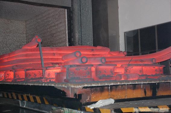 热处理炉.JPG